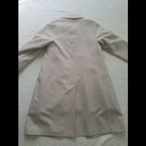 Misty Harbor Jackets & Coats - Vintage Misty Harbor 60's Tan Trench Size 8P
